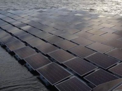 Floating solar panels making waves in London