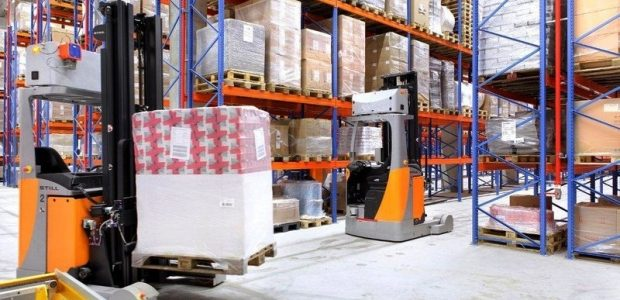 Automated industrial robots replacing humans in cold storage supply chain